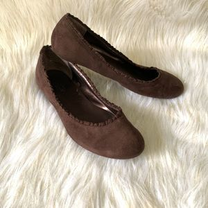 Seychelles Flats Womens  8.5 Slip On Brown Suede